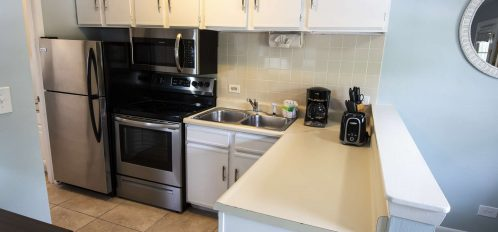 Marco Island Lakeside Inn Lakeview Superior 1BR Suite first floor kitchen