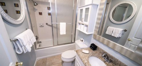 Marco Island Lakeside Inn Lakeview Superior 2 BR-2BA Suite bathroom B