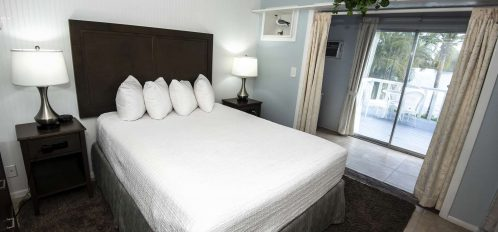 Marco Island Lakeside Inn Lakeview Superior 2 BR-2BA Suite bedroom B