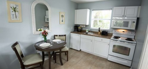 Marco Island Lakeside Inn Poolside Studio kitchen and dining