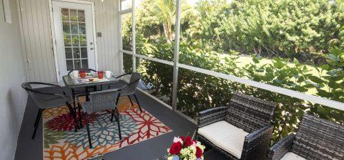 Marco Island Lakeside Inn Standard Villa 2BR-1BA screened-porch (2)