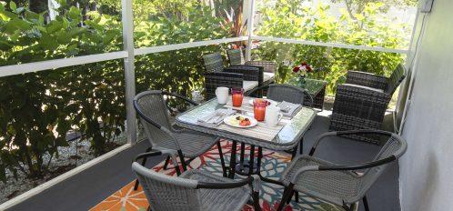 Marco Island Lakeside Inn Standard Villa 2BR-1BA screened porch
