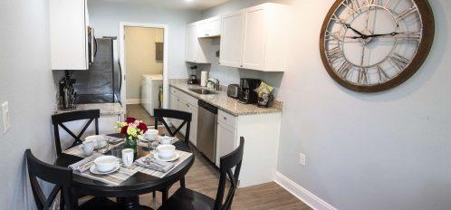 Marco Island Lakeside Inn Villa 2BR-1BA dining kitchen