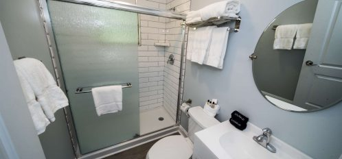 Marco Island Lakeside Inn Villa 2BR-1BA full bathroom