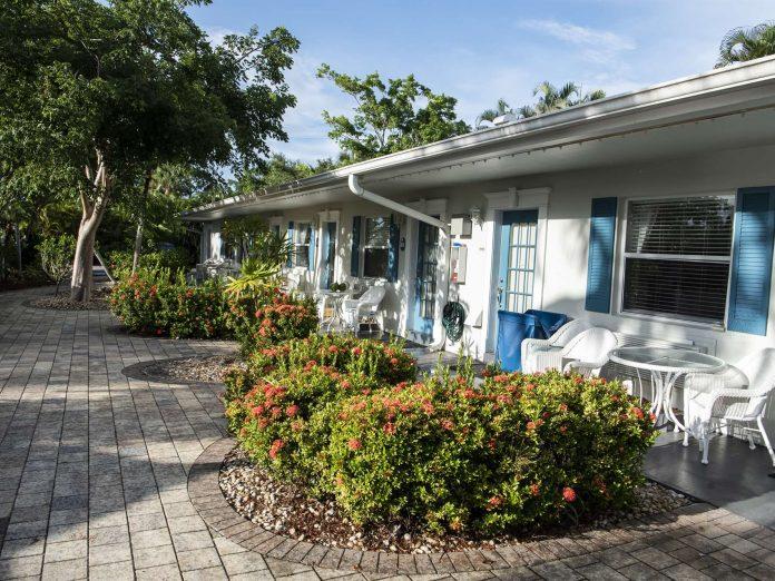 Marco Island Lakeside Inn exterior Room 205 poolside rooms